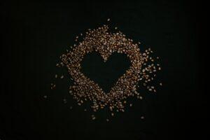 Mustard-Seeds-Arranged-in-Heart-Shape
